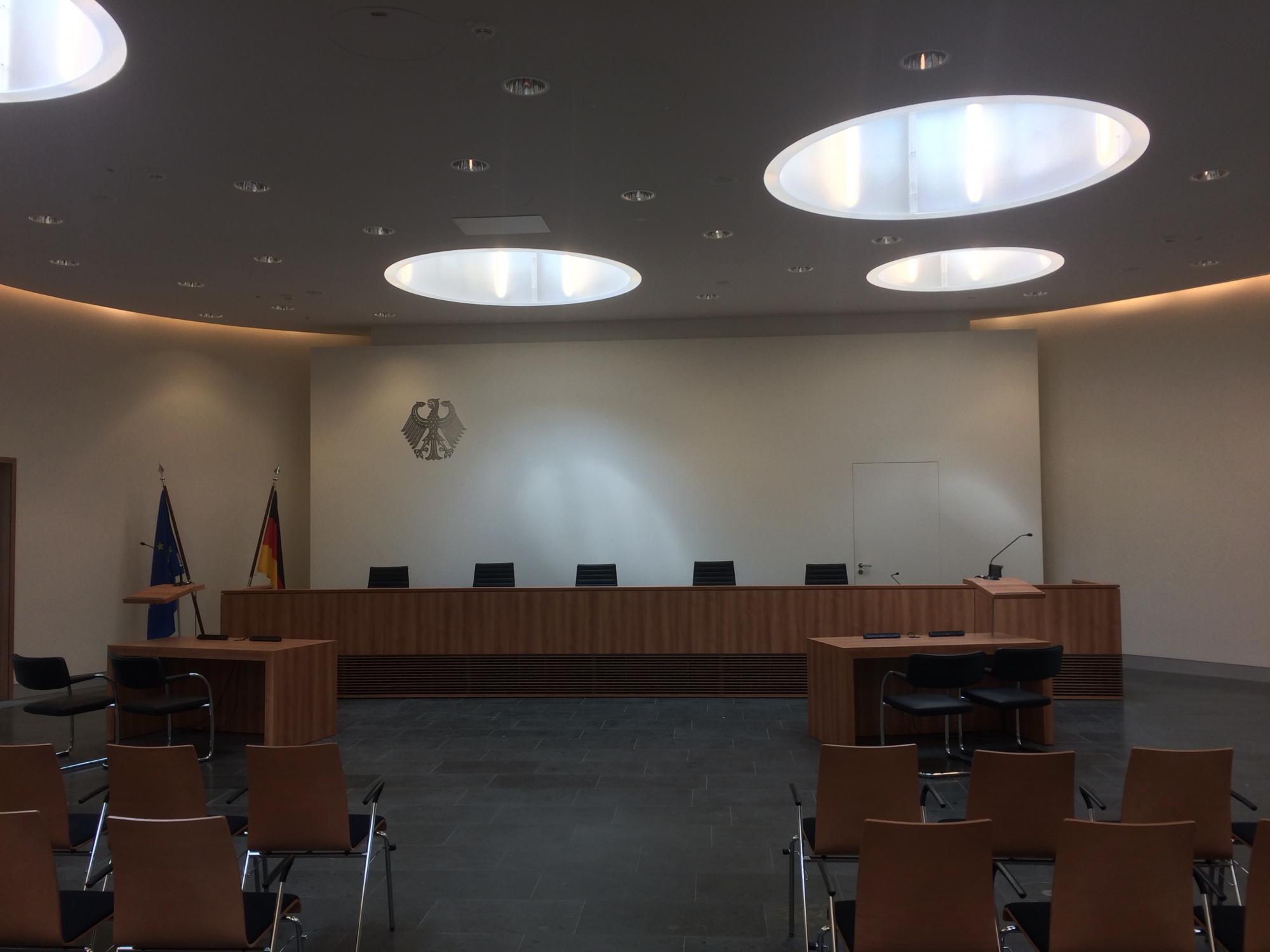 Innenansicht des Bundessozialgerichts in Kassel (Elisabeth-Selbert-Saal).